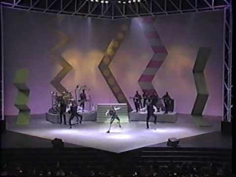 AMA'90 Bobby Brown [HQ]