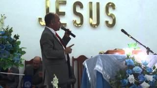 Cantor Moisés Brito louvando a Deus em Caxangá - integração!