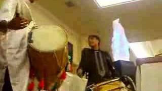 Lakhan Powering The Dhol/ Midlandz Finest Johnny Jamin