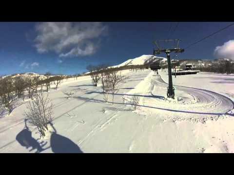 Skiing in Niseko 2016
