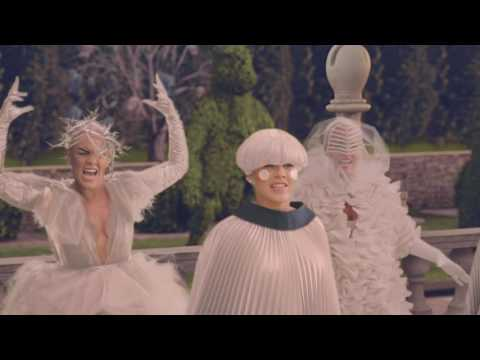 """Download P!nk - Just Like Fire (fra filmen """"Alice Through The Looking Glass"""")"""