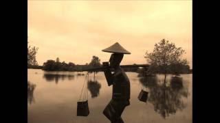 la lune veille sur la loire et le mékong : textes : Ly-Thanh-Hue