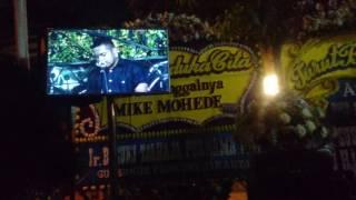 Mike Mohede R.I.P. - @Rumah Duka,kesaksian pujian dari Kaka Glenn Fredly dan Alberth Fakdawer