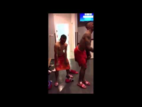 Rafinha and Jerome Boateng (Bayern Munich) funny dance 2015