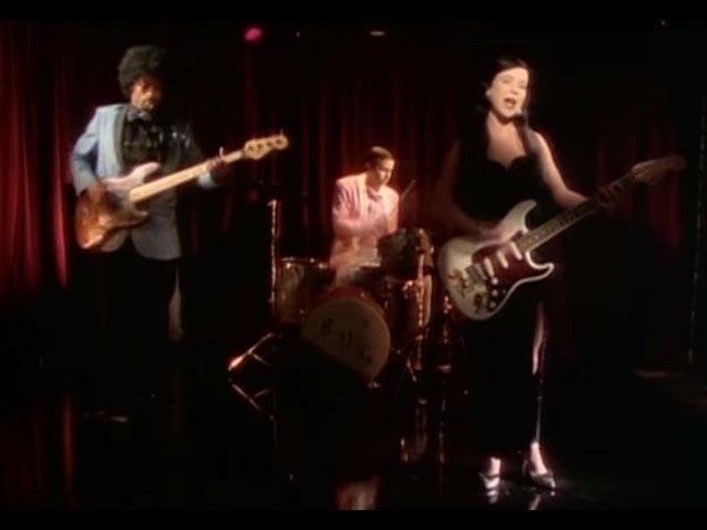 throwing-muses-bright-yellow-gun-official-video-4ad