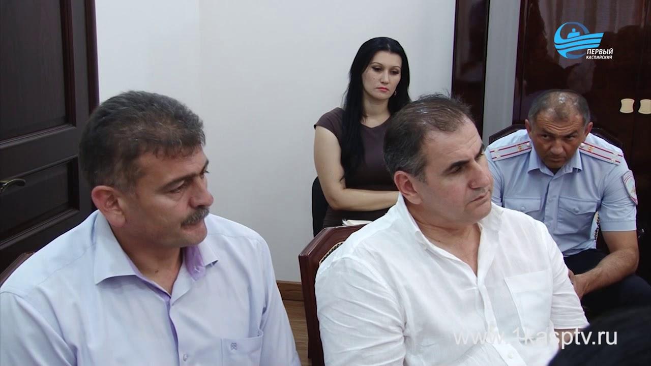 Первый заместитель Председателя Правительства РД Рамазан Алиев провел совещание в Каспийске