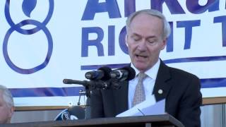 Governor Hutchinson at Arkansas March for Life