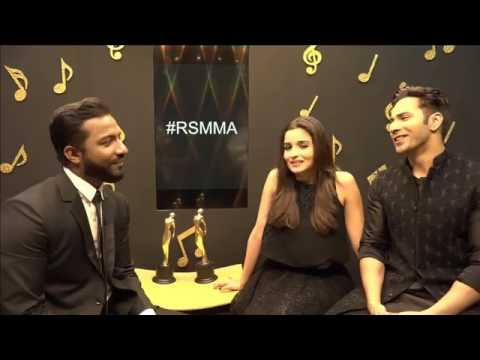Varun & Alia sing Tamma Tamma at 9th Royal Stag Mirchi Music Awards | #RSMMA