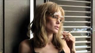 Анджелина Джоли рассказала, как снимала постельные сцены с Брэдом Питтом