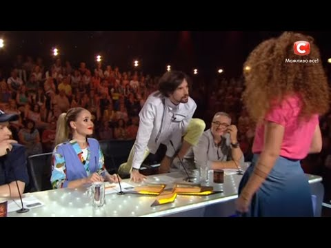 This girl seduces a judge with Justin Bieber's song Boyfriend. The X Factor 2016