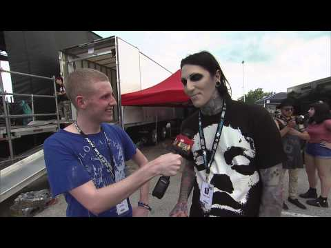 Bryan Stars Interviews Chris Motionless at the 2014 Vans Warped Tour Webcast
