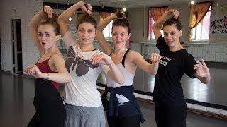 Урок движения. Контемпорари. Тренер - Алиса Чеботарёва(Контемпорари — одно из новых направлений современного танца, который сочетает в себе как элементы западно..., 2014-03-21T11:00:44.000Z)