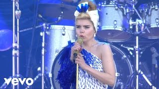 Paloma Faith - Never Tear Us Apart (Summer Six - Live at Isle of Wight)