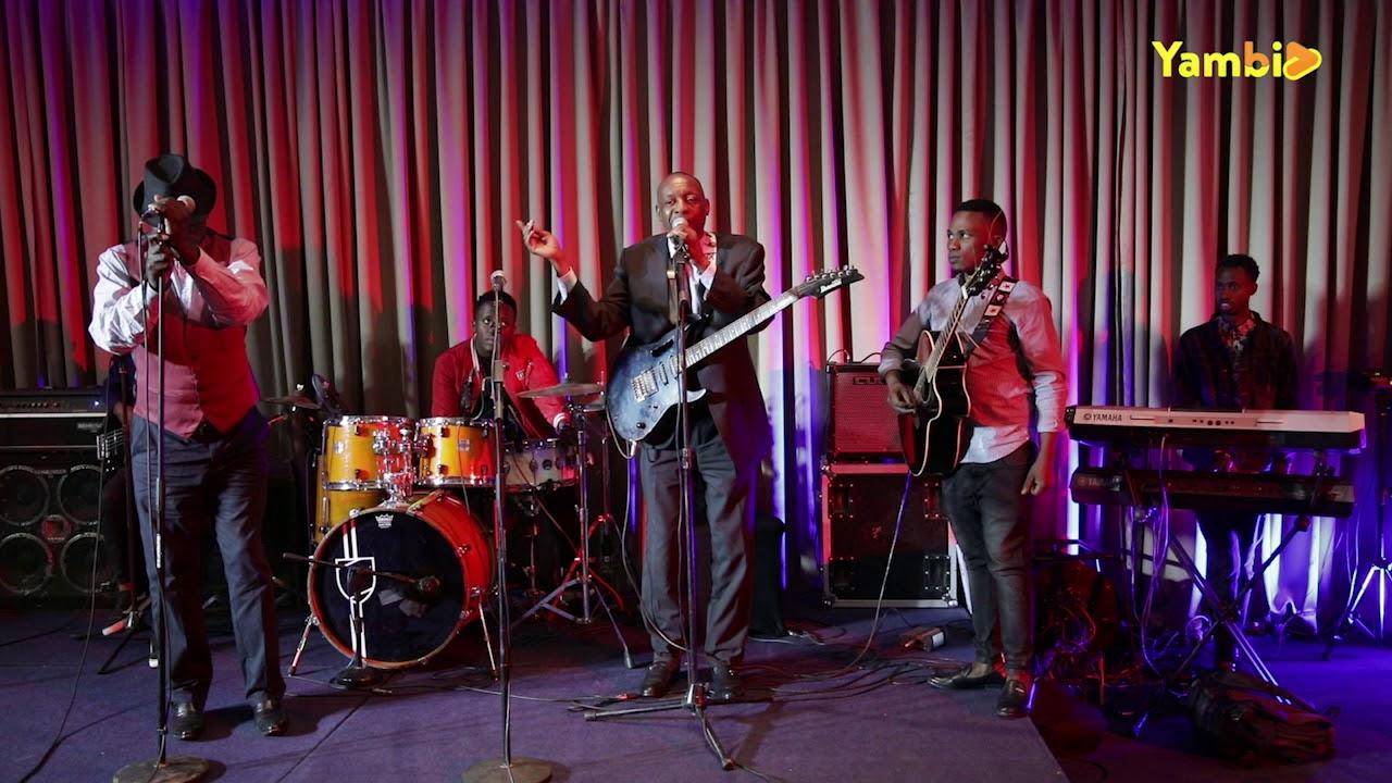 Makanyaga Abdoul na Ngabonziza Augustin babanye muri Orchestre Irangira bibukije abantu bya bihe