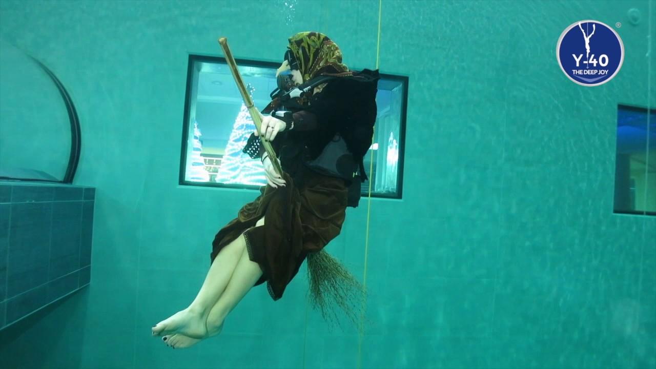 Y 40 the deep joy la befana nella piscina pi profonda for Y 40 piscina
