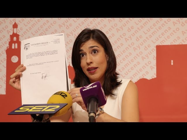 """VÍDEO: Teresa Alonso responde a las críticas del PP y le acusa de actuar """"a golpe de Facebook y rueda de prensa"""""""