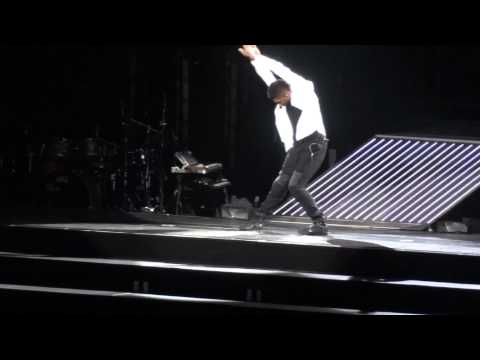 Usher Tribute To Michael Jackson