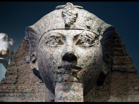 Mortuary Temple of Hatshepsut and Large Kneeling Statue, New Kingdom, Egypt