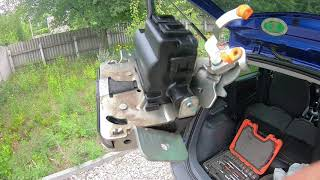 Не работает сигналка mitsubishi colt. Ремонт замка багажника.