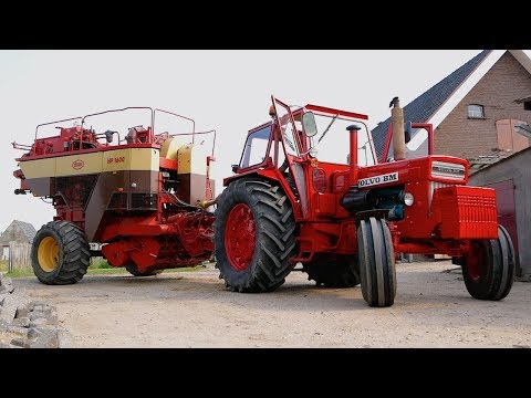 Volvo BM 810 turbo + Vicon HP 1600 Baler | Baling Hay the Classic Way | Familie Dorrestijn