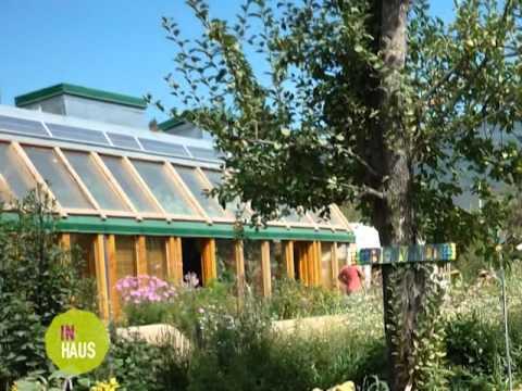 In Haus 293-Colegio Arquis.Rafaela y nota sobre construcción earthship