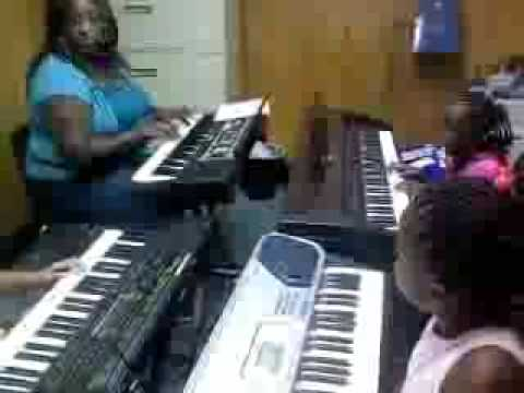 Praise N' Motion Summer Performing Arts Camp Piano Class
