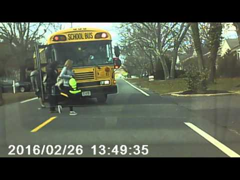 Overzealous bus driver blocks two lanes to let kids off