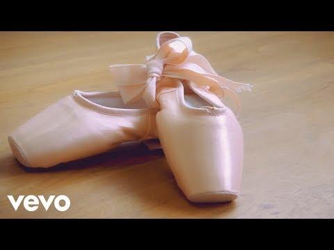 Maldita Nerea - Bailarina (Lyric Video)