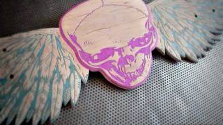 Skateboard Carving - Winged Skull