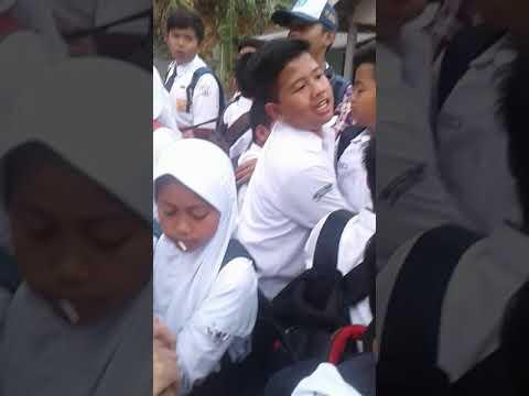 Anak Smp Baru Pulang Sekolah