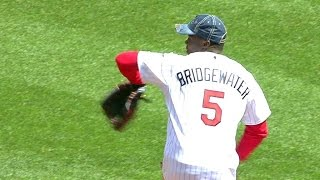 CLE@MIN: Bridgewater throws out first pitch
