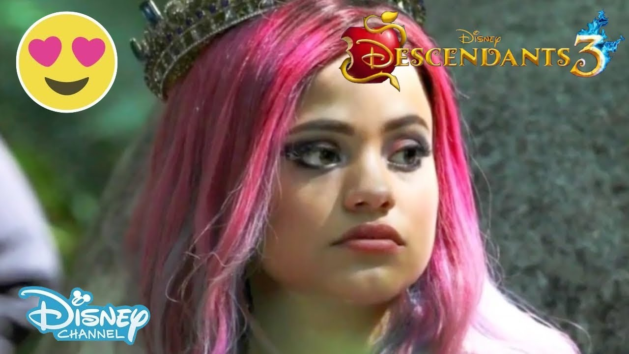 Descendants 3 | BTS from the Cast: Audrey's New Style 💕😍 | Official  Disney Channel US