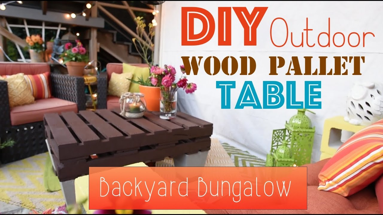 How To DIY An Outdoor Wood Pallet Table