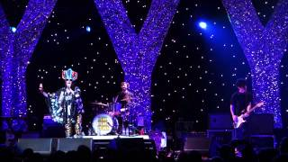 Yeah Yeah Yeahs- Maps. Live at Barclay's. Brooklyn, NYC. 09.19.13