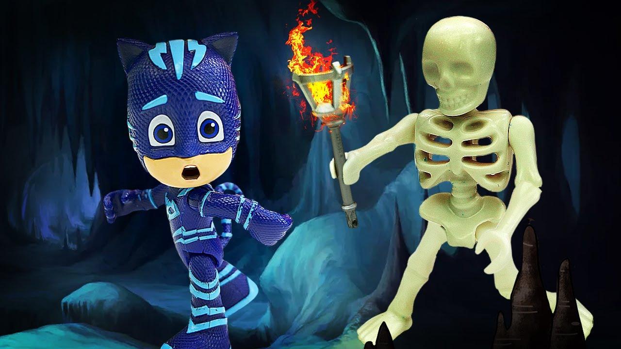 Видео про игрушки из мультфильмов. Герои в масках ищут клад и другие приключения игрушек!
