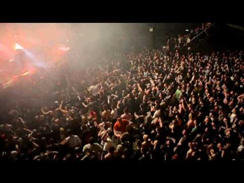 """PARKWAY DRIVE - """"Crushed"""" (Live in Athens / Piraeus 117   Academy, 23.04.2017)"""