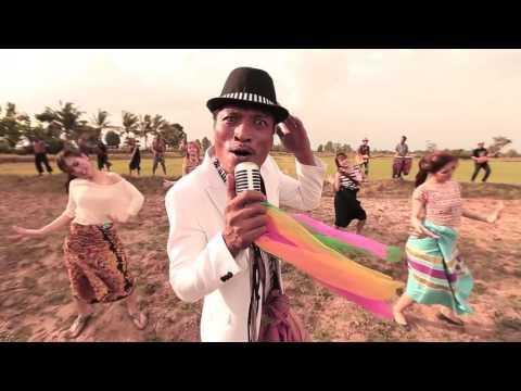 gái êđê nhảy nhạc sàn Cô gái dân tộc Êđê với giọng hát cao thể hiện ca khúc: Nếu mai tôi ra đi