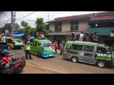 Aksi Angkutan Kota Bandarlampung Tuntut Perizinan Go-Jek