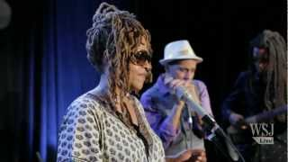 Cassandra Wilson Performs
