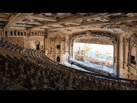 Exploring Detroit's Largest Abandoned High School