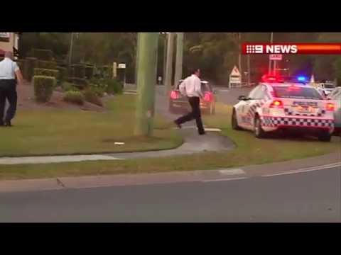 Mini Cooper escapa de control policial