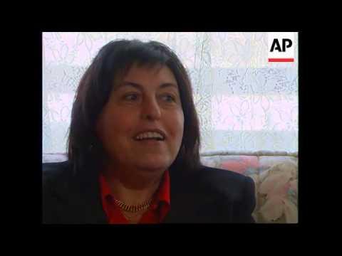 FRANCE: MONSIEUR MANGETOUT WILL EAT ANYTHING FOR MONEY