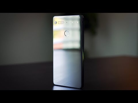 Essential Phone Review: It's Beautiful But Don't Buy it