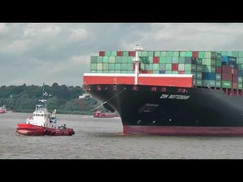 "Containerschiff  ""ZIM ROTTERDAM"" (10 067 TEU) in Hamburg"