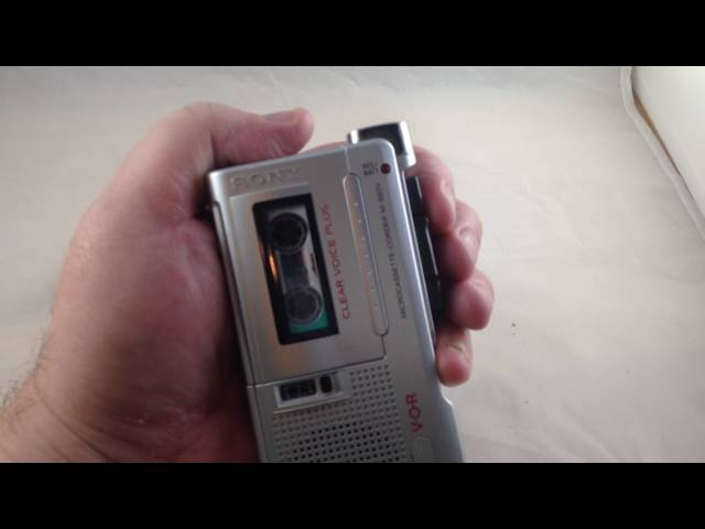 Sony M-560V Clear Voice Plus Microcassette-Corder Demo