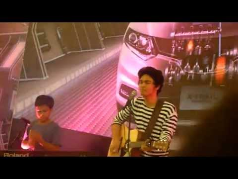 TheOvertunes - the man who can't be moved (Senayan City 2015)