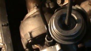VOLKSWAGEN PASSAT 1.9 TDI 130 cv 4 MOTION. Cambiar /fijar tubo aceite turbo. Video 5 Continuación.