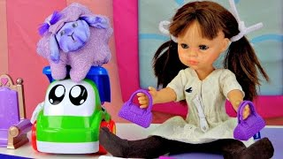 Английский для детей. Учим цвета - Фиолетовый. Видео с игрушками