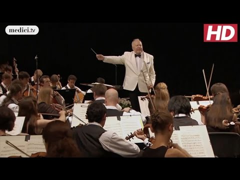 Dvorák's New World Symphony - Allegro con fuoco - Neeme Järvi and the VFO