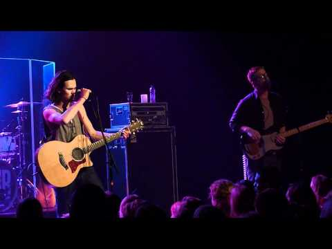 Justin Nozuka - Heartless (Live @ Oosterpoort 2010)